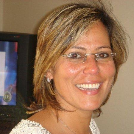 Claudia Mejia Ricart - ComConnect team