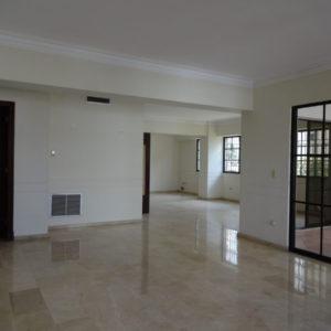 Se Vende: Amplio Apartamento de 309 m2 en La Esperilla, Santo Domingo