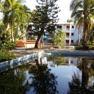 Proyecto para Inversion: Propiedad de 8000 m2 con Hotel in el Centro de Cabarete, Republica Dominicana
