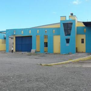 Se Vende: Solar (18,400 m2) con Naves/Oficinas (10,000 m2) en Av. Las Americas, Santo Domingo